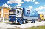 Italeri 3945 - 1/24 Volvo F16 Globetrotter Canvas With Elevator